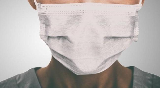 Uzun süreli maske kullanımı yüzde egzamaya sebep oluyor