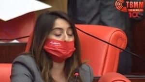 CHP'li vekillerden Atatürk ve Ay Yıldızlı kırmızı maske sürprizi