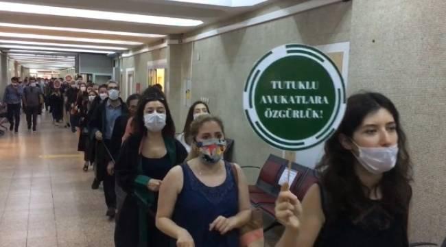 Ankara Barosu avukatlarından 'savunma zinciri': Biat etmeyeceğiz!