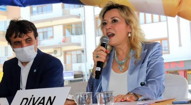 İYİ Parti ile AK Parti arasında 'kum tanelerini monte etme' tartışması