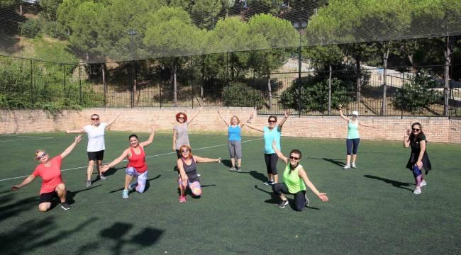 Karabağlar'da sosyal mesafeyle spora devam