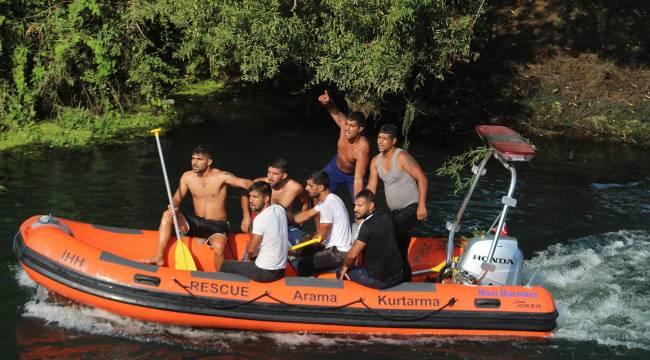 4 gündür bulunmayan kardeşleri için suya atlayıp, bot kaçırdılar