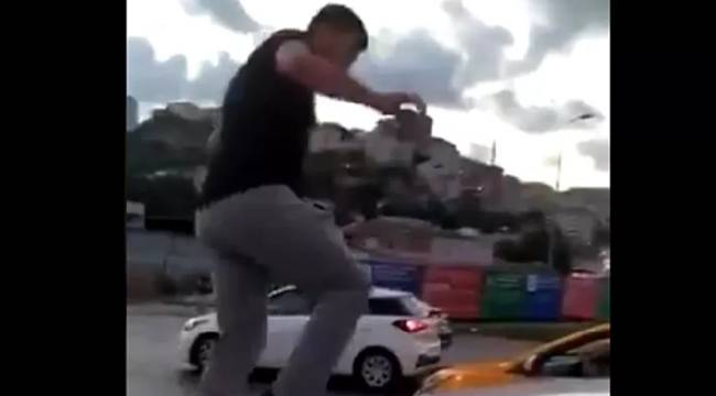 Alibeyköy'de trafikte kadına saldırı: Üzerine yürüdü, arabasının camını kırdı