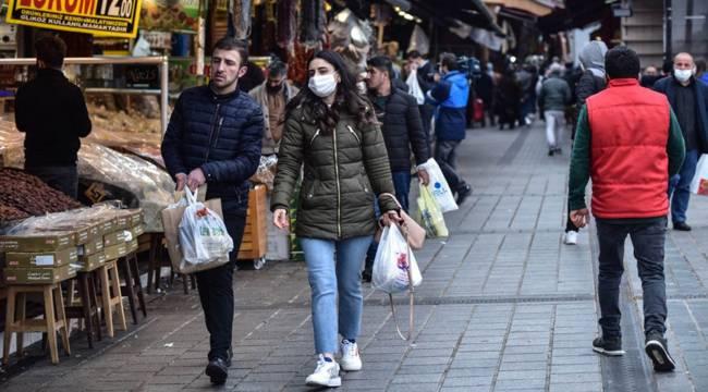 Dolardaki yükseliş zam beklentisi yaratınca mağazalar doldu; satışlar yüzde 20-30 arttı