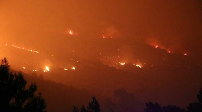 İzmir'in Menderes ilçesindeki orman yangını sebebiyle bir site daha boşaltıldı