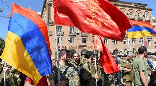 Ermenistan'dan 55 yaş ve altındaki yedek askerleri seferber etme kararı