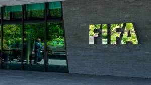 FIFA: Koronavirüs salgını futbol dünyasına 14 milyar dolara mâl olacak