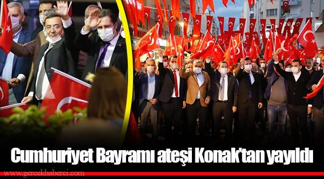 Cumhuriyet Bayramı ateşi Konak'tan yayıldı