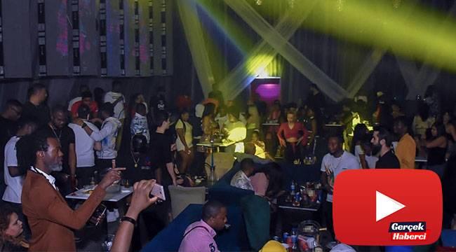 Gece kulübünde skandal görüntüler