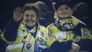 Fenerbahçe tribünlerinin simge ismi İhsan Teyze (İhsan Güngörenler) hayatını kaybetti