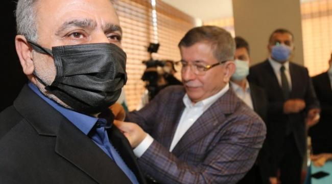 Gelecek Partisi'ne katılan İlhami Işık, Davutoğlu'nun başdanışmanı oldu