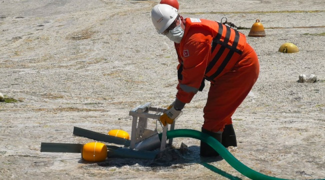 Çevre ve Şehircilik Bakanı Kurum: 392 metreküp müsilajı denizimizden toplayarak bertarafa gönderdik