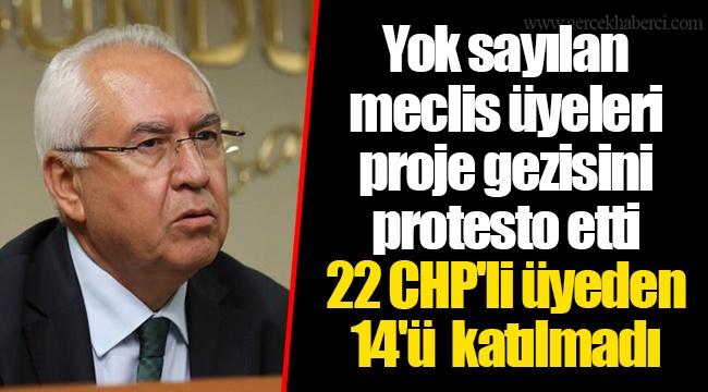 Yok sayılan meclis üyeleri proje gezisini protesto etti...22 CHP'li üyeden 14'ü katılmadı