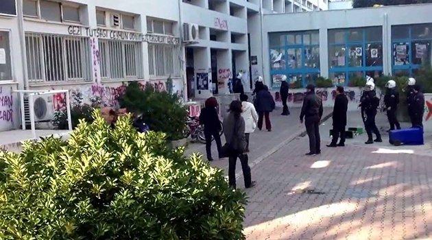 Ege Üniversitesi'nde Polis Müdahalesi